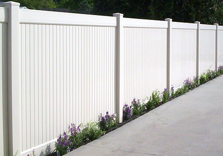 White Vinyl Privacy_Newport Beach_CA